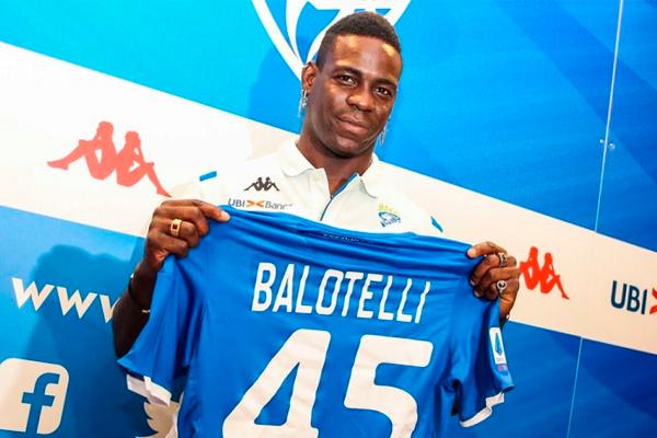 Mario Balotelli é apresentado ao Brescia