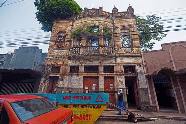 Restauro do prédio da Dr Barata ainda está em fase inicial