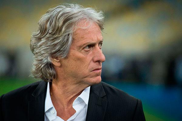 Técnico português Jorge Jesus ressalta que a força da torcida do Flamengo impulsiona o clube