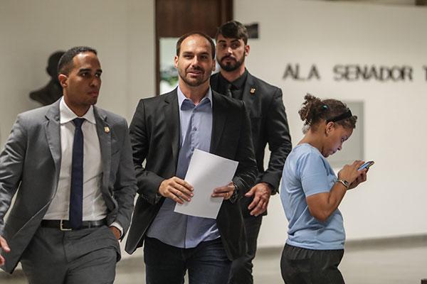 Eduardo Bolsonaro precisa, após ser indicado, passar por uma sabatina na CCJ do Senado