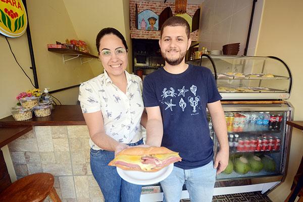 Nutricionistas Luan Medeiros e esposa Bruna Farias trazem no novo negócio as referências familiares