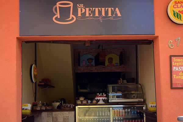 Café recupera antiga bodega da Cidade Alta