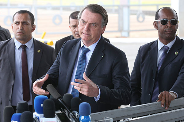 Jair Bolsonaro tem repetido que vai atender quase todos os pedidos de veto ao projeto feitos pelo ministro da Justiça, Sergio Moro