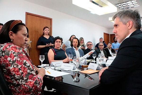 Presidente da Gol Linhas Aéreas, Paulo Kakinoff (à direita), confirmou novos voos como contrapartida à queda na alíquota do ICMS