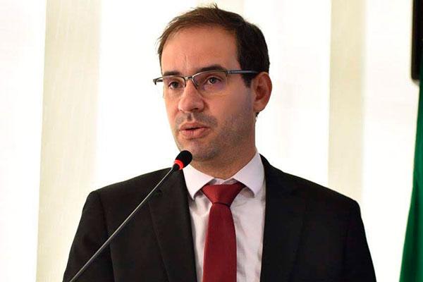 Carlos Eduardo Xavier afirma que houve distorções no Proadi
