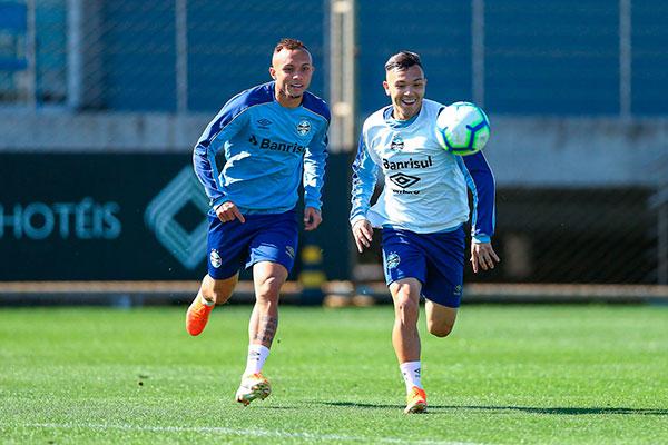 Everton não esteve presente na eliminação do Grêmio diante do Furacão, pela Copa do Brasil