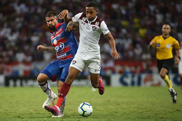 João Pedro, atacante tricolor, acredita que o time carioca pode tirar proveito da pressão no jogo