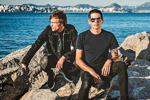 Bonfá e Villa-Lobos resgatam os discos que levaram a  Legião Urbana para o topo do rock/pop nacional, e ajudaram a criar um culto em torno da banda