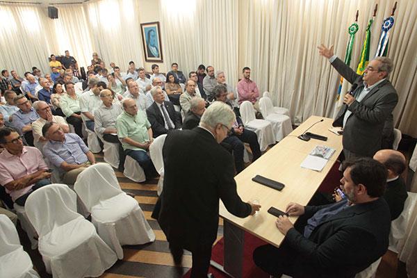 Prefeito Álvaro Dias se posicionou e teve apoio dos empresários presentes à reunião sobre mudanças no Plano Diretor de Natal