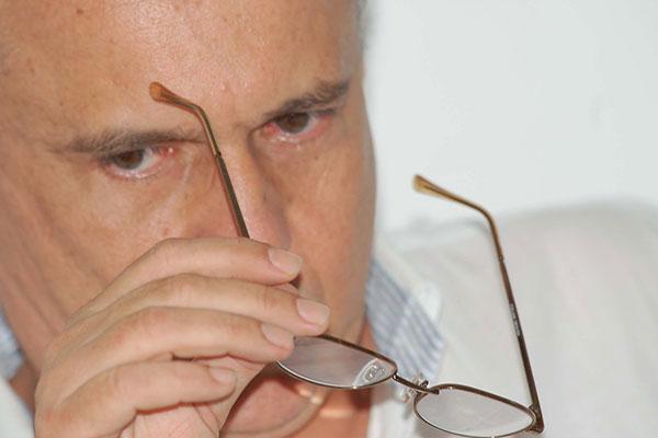 Presidente do ABC, Fernando Suassuna, optou por trocar técnico por força do orçamento apertado
