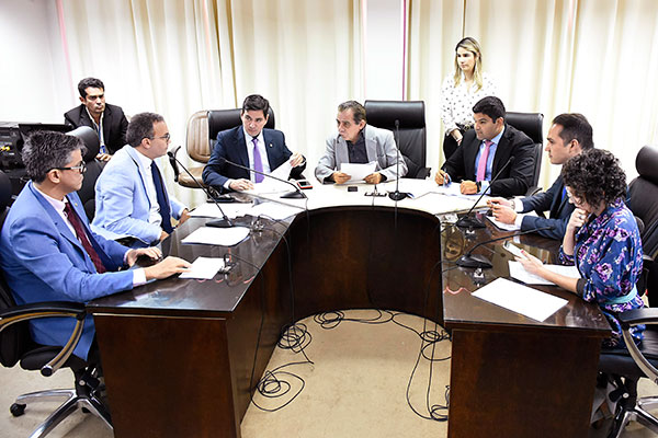 Comissão de Constituição e Justiça vai receber o presidente da Caern para debater o projeto