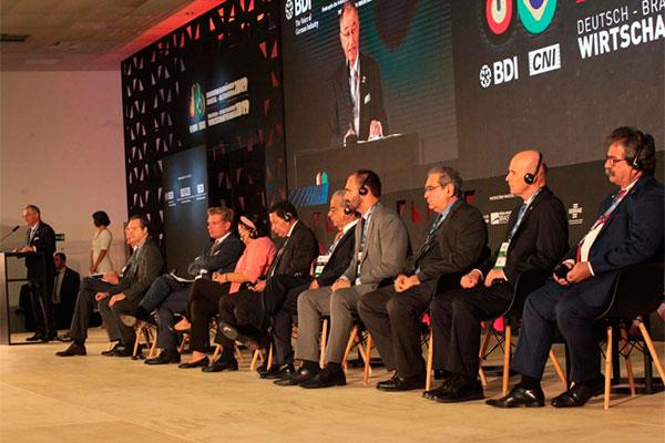 Empresários e políticos participam de encontro sobre relações comerciais entre Brasil e Alemanha
