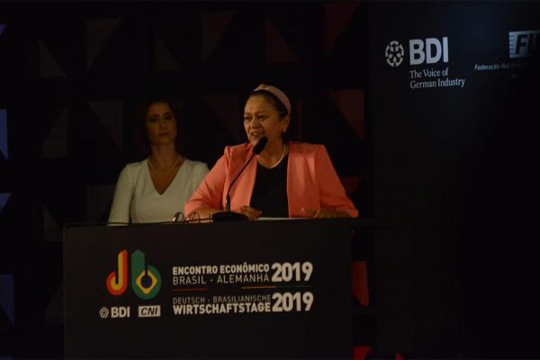 A governadora Fátima Bezerra discursou no encontro Brasil-Alemanha, realizado em Natal