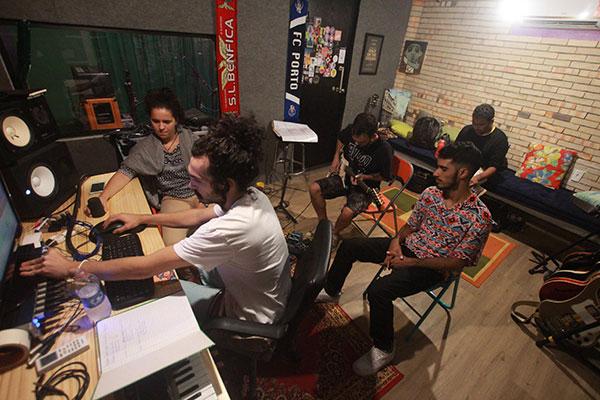 No estúdio e incubadora DoSol, a banda Sourebel foi uma das selecionadas da Incubadora em 2018