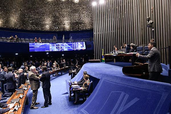 Senadores definem o acordo para a votação simbólica do projeto que trata da lei eleitoral