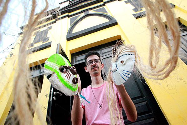Mateus Tinoco é DJ, produtor e integrante do coletivo Disconexa. Ele está à frente do LCD, que assume a porção boate no antigo DoSol