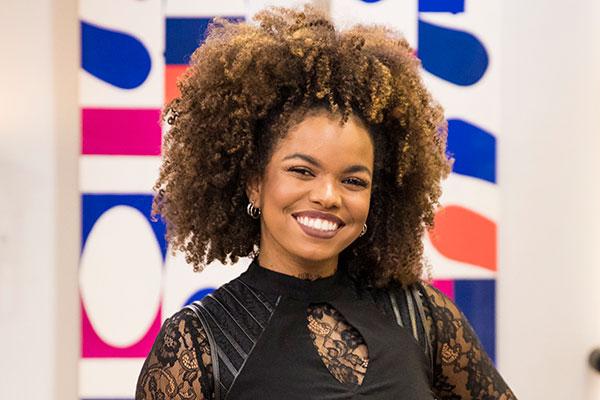Jeniffer Nascimento participa do time do The Voice