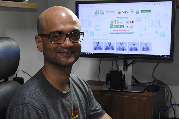 Carlos André, diretor do Over: Segredo é construído na base