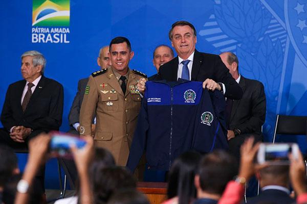 Bolsonaro lançou o Programa Nacional das Escolas Cívico-Militares (Pecim), em cerimônia no Palácio do Planalto, no início deste mês