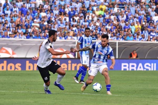 CSA e Ceará protagonizaram duelo brigado em Maceió