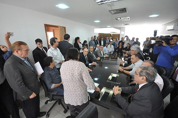 Fátima Bezerra recebe os prefeitos e define um prazo para apresentar novo levantamento