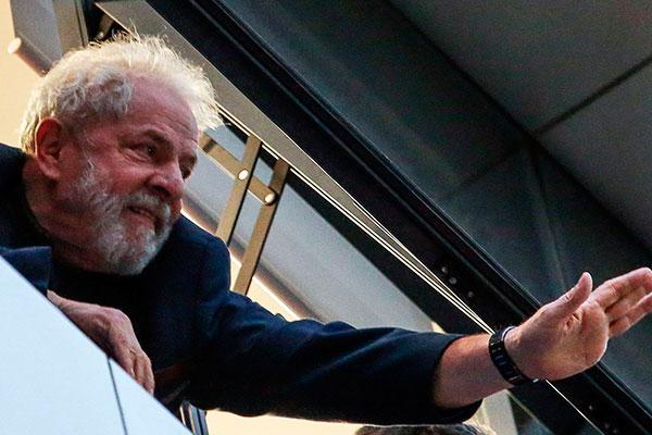 Ex-presidente Luiz Inácio Lula da Silva momentos antes de ser preso em abril de 2018