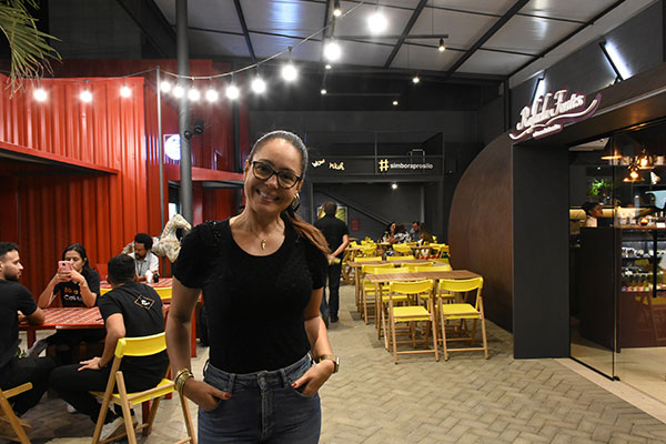 Confeitaria dentro de um silo foi criada por Olga Portela e inspirou novo Food Park, que abriu semana passada