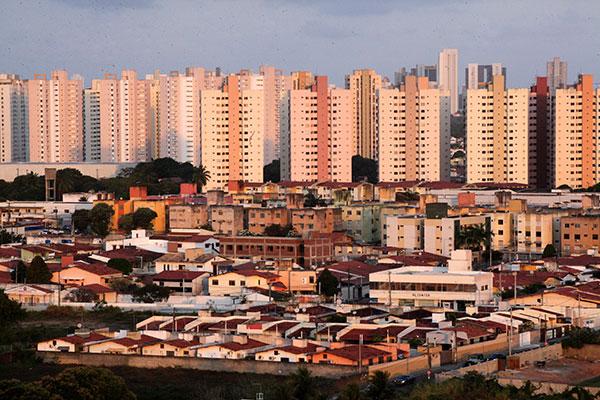 Financiamentos imobiliários com recusos da Poupança e empréstimos foram motivados pela queda da taxa Selic para 5,5% ao ano