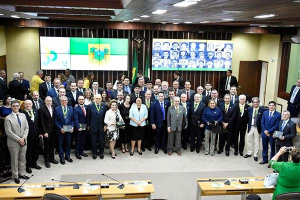 Sessão solene homenageou os 30 anos da Constituição Estadual