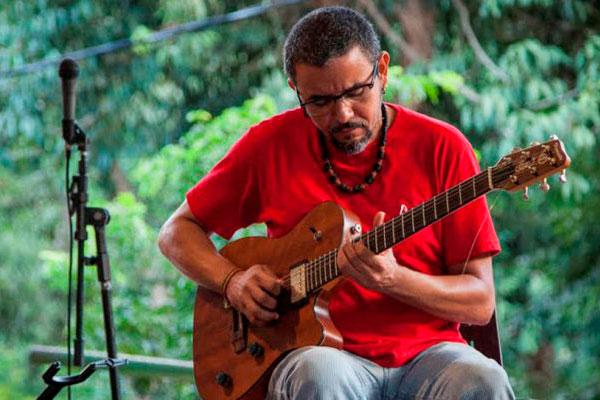 Ricardo Baya abre o festival nesta quinta-feira, com banda e Diogo das Virgens como convidado