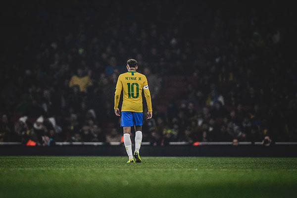 Neymar alcança marca de 100 jogos pela seleção brasileira nesta quinta-feira (10)