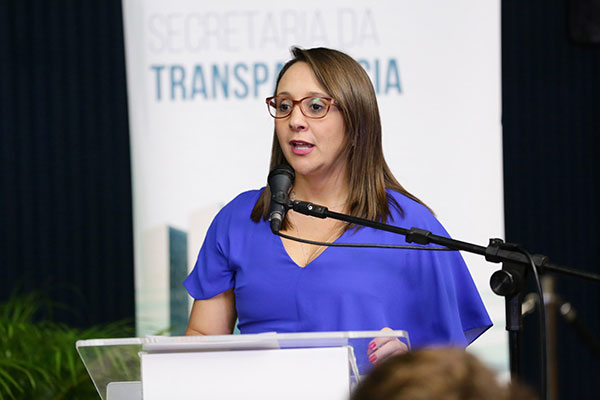 Renata Abreu aponta que não há comunicação com as delegacias