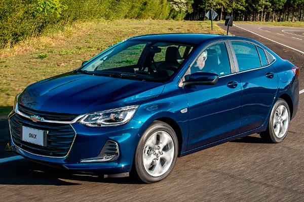 O Novo Onix PLUS tem design harmonioso e interior requintado. Motor turbo, 6 airbags, chave presencial, sensor de ponto cego, assistente de estacionamento etc...