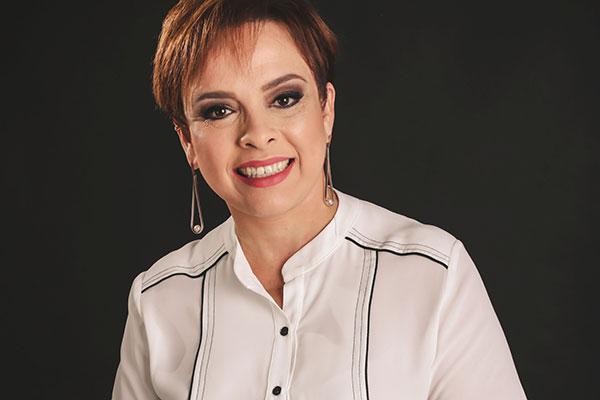 Karla Motta, doutora em engenharia de produção na área de logística