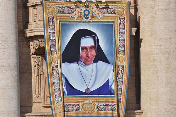 Irmã Dulce, canonizada no domingo pelo Papa Francisco, é a primeira santa nascida no Brasil