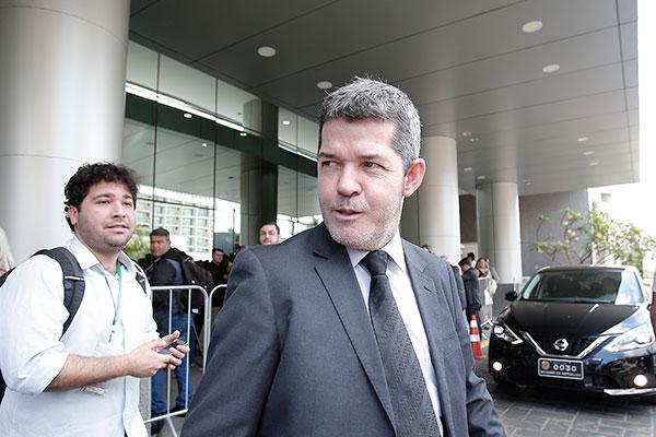 Delegado Waldir assegura que permanece na liderança do PSL pelo menos até janeiro