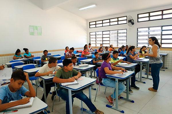 Juska Milena Mendonça atua com a modalidade de Educação de Jovens e Adultos em Ceará-Mirim