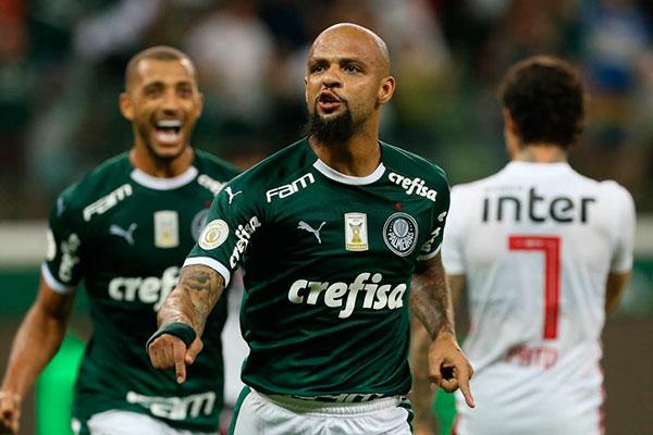 Felipe Melo encaminhou a boa vitória palmeirense fazendo 2 a 0