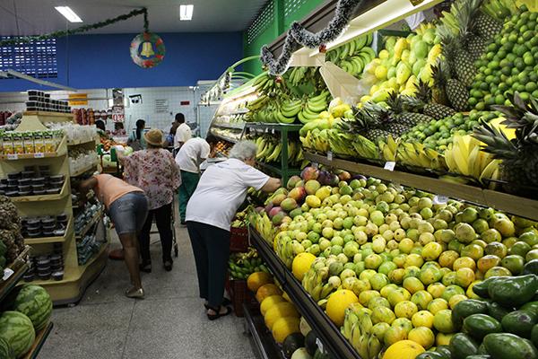 Natalenses pagaram R$ 341,90 pelos alimentos que compõem a cesta básica em outubro, diz Dieese