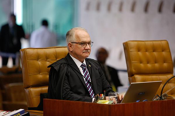 Fachin é o relator do caso que envolve acusada de usar posição na igreja para promover a candidatura