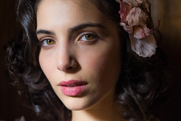 Rayssa Bratillieri vive Soraia em nova trama da Globo