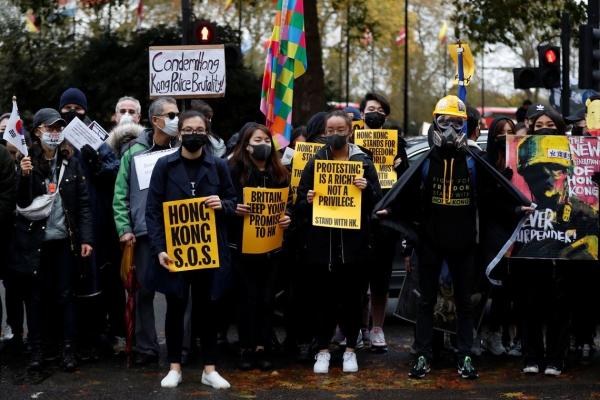Universidades cancelam aulas em meio a protestos em Hong Kong