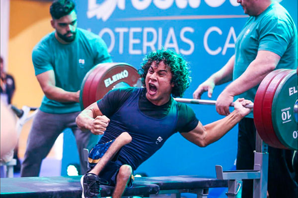 Ao erguer 151Kg, o potiguar Junior França entrou no Top 8 do Mundo e sonha com a Paralimpíada