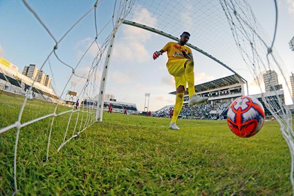 Inconformado, Rafael não aceita ter levado o gol de Ronaldo, que levou decisão para as penalidades