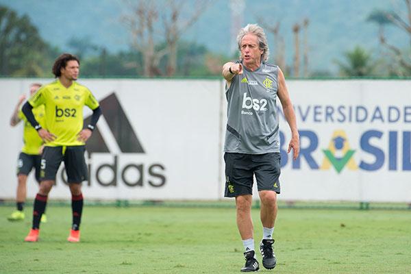 O técnico português Jorge Jesus não confirmou oficialmente, mas deve escalar o que tem de melhor para enfrentar o time cearense