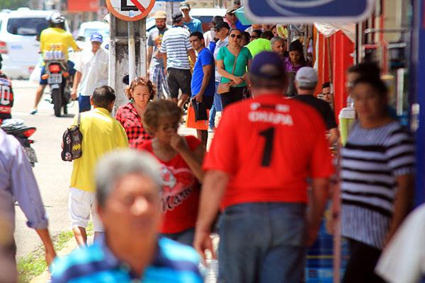População ocupada alcançou 94,055 milhões de pessoas no trimestre móvel encerrado em outubro, são 470 mil ocupados a mais