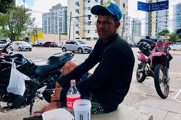 Davi Pereira, 32, desempregado e à espera de mais um filho. Procura emprego há mais de 2 anos