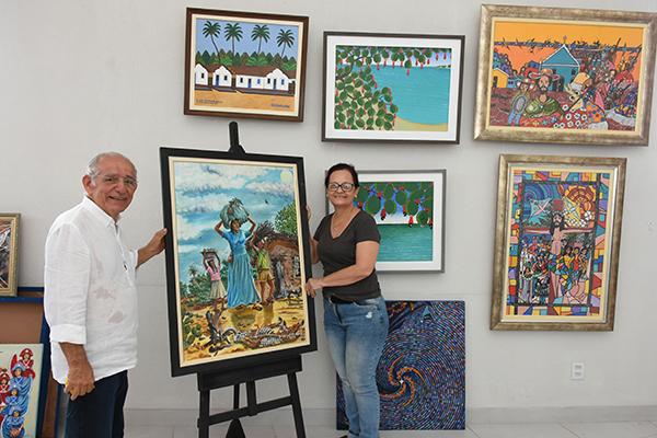 A curadora Dione Caldas e o empresário Anchieta Miranda, dono na Galeria B-612, que este ano é parceiro do Salão Dorian Gray