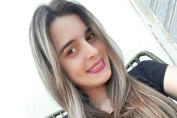 Renata Ranyelle foi morta pelo ex-companheiro, com tiros na cabeça em assalto simulado