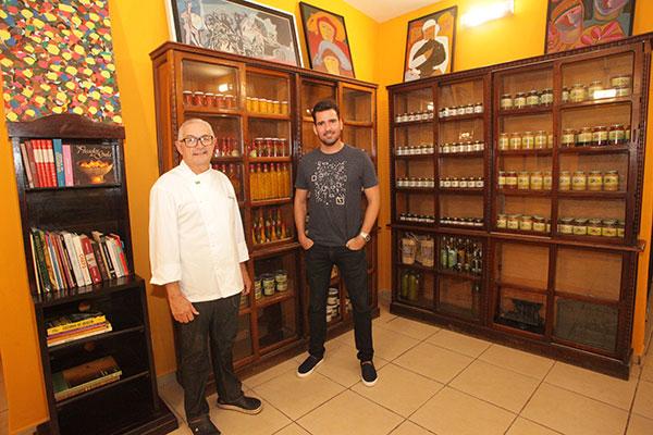 Chef Dantas e o sócio Gustavo Maciel abrem espaço para um empório com iguarias da casa
